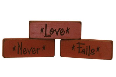Love Never Fails Wood Plaques, Set of 3, Red  -