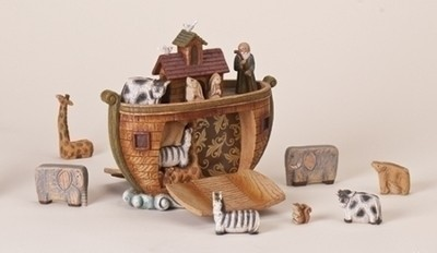 Noah's Ark with 15 Magnetic Figures  -