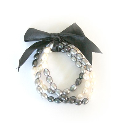 Gates of Praise Pearl Bracelets, Black and White  -
