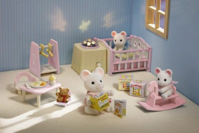 Calico Critters Nighlight Nursery Set  -
