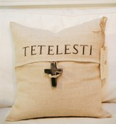 Cross Pillow, Tetelesti
