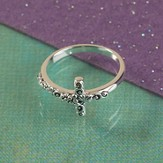 Sideways Vine and Branch Cross Ring, Size 9
