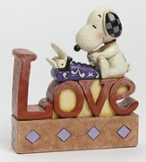 Peanuts Figurine, Snoopy Typing LOVE