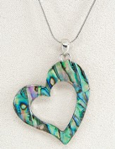 Graceful Heart, Wild Pearle Necklace