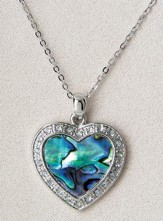 Fancy Heart, Wild Pearle Necklace