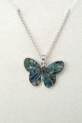 Delicate Butterfly, Wild Pearle Necklace