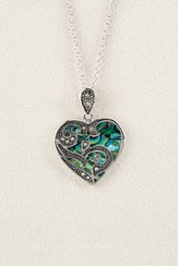 Beloved Heart, Wild Pearle Necklace