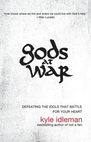 Gods at War: Defeating the Idols That Battle for Your Heart, Large Print - Slightly Imperfect  -     By: Kyle Idleman
