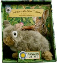 Cottontail at Clover Crescent [With Stuffed Cottontail Rabbit]
