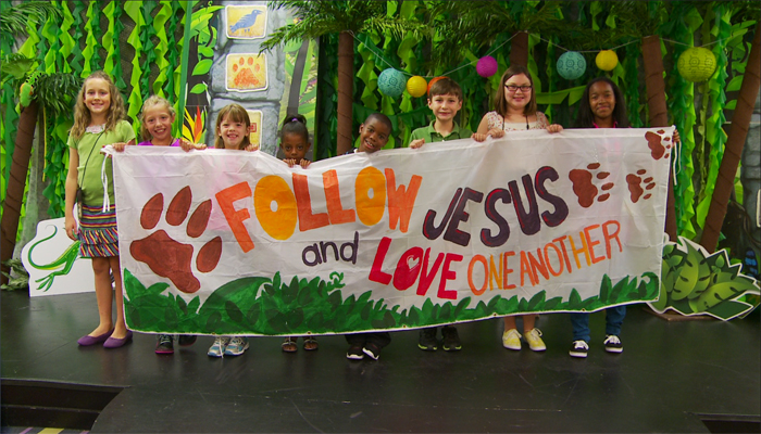 Jungle Safari VBS Decorating
