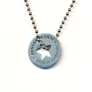 Thinking of You Necklace Spanish  -