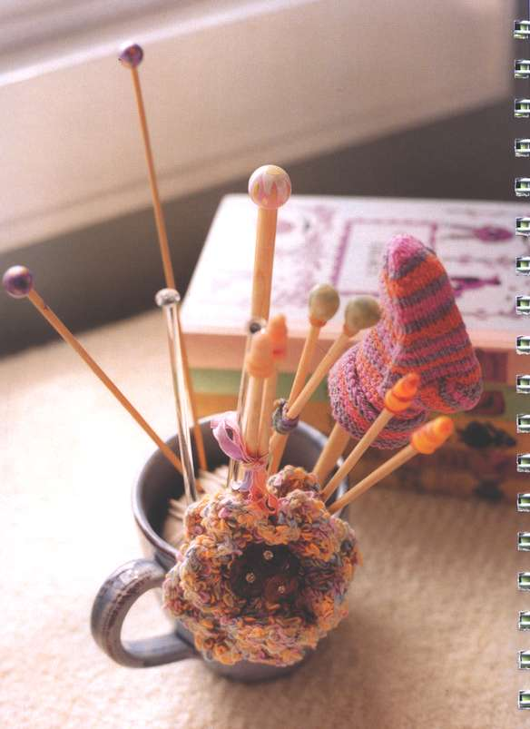 Itty-Bitty Hats: 38 Cute and Cuddly Caps to Knit For Babies and Toddlers