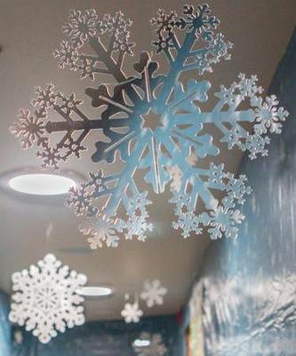 Polar Blast: Die-Cut Snowflakes (pkg. of 9)  -