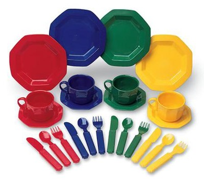 Pretend & Play Dish Set  -