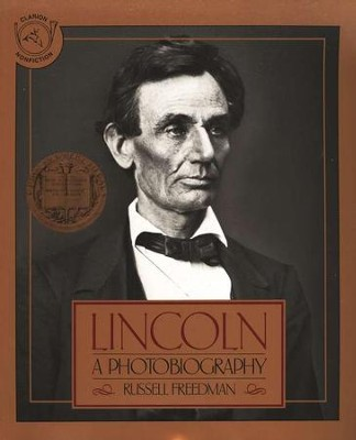 Lincoln: A Photobiography   -     By: Russell Freedman