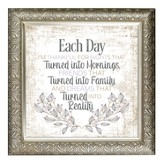 Each Day I'm Thankful Framed Decor