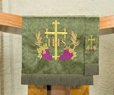 Embroidered Cross / Grape / Vine Pulpit Scarf