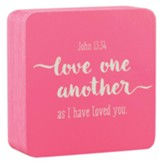 Love One Another, Decor Block