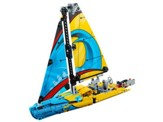 LEGO ® Technic Recruitment Racing Yacht