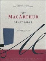 NKJV MacArthur Study Bible, Comfort Print--soft leather-look, navy blue (indexed)