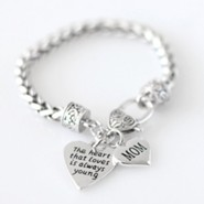 Mom, The Heart That Loves Is Always Young Bracelet