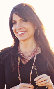 Lisa Bevere: Featured Author